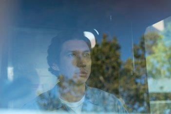 Paterson: un primo piano di Adam Driver