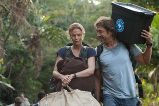 The Last Face: Javier Bardem e Charlize Theron in un momento del film