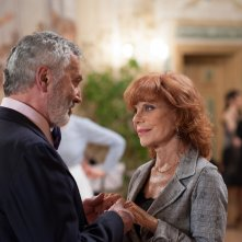 Una nobile causa: Simona Marchini e Massimo Foschi in una scena del film