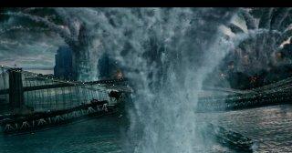 X-Men: Apocalisse - una scena del film con una grande esplosione