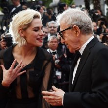 Festival di Cannes 2016: Kristen Stewart e Woody Allen parlano sul red carpet