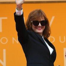 Festival di Cannes 2016: Susan Sarandon saluta i fan