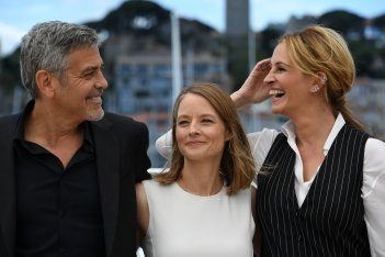 Money Monster: Jodie Foster, George Clooney e Julia Roberts al photocall di Cannes 2016