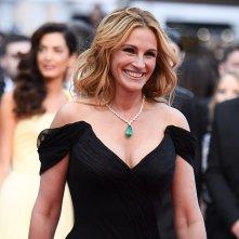 Cannes 2016 Julia Roberts sorridente sul red carpet di Money Monster