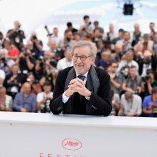 The BFG: Steven Spielberg in un momento del photocall a Cannes 2016