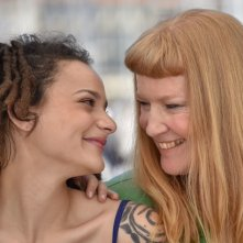 American Honey: Sasha Lane e Andrea Arnold durante il photocall a Cannes 2016