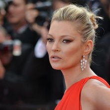 Cannes 2016: Kate Moss sul red carpet di Loving
