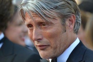 Cannes 2016: uno scatto di Mads Mikkelsen sul red carpet di Loving