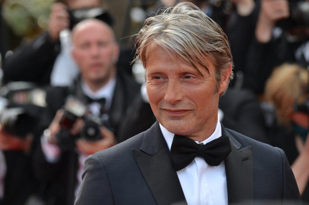 Cannes 2016: uno scatto del giurato Mads Mikkelsen sul red carpet di Loving