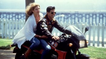 Tom Cruise con Kelly McGillis in Top Gun