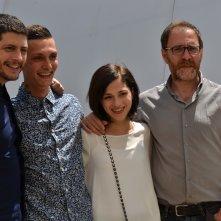 Cannes 2016: Claudio Giovannes, Josciua Algeri, Daphne Scoccia e Valerio Mastandrea in uno scatto al photocall di Fiore