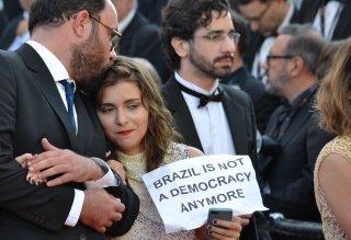 Cannes 2016: Un immagine dal tappeto rosso del film Aquarius