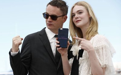 The Neon Demon: Nicolas Winding Refn, Elle Fanning, la bellezza, il sesso, la necrofilia e il sangue a Cannes