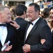 Cannes 2016: Charlize Theron, Jean Reno e Jared Harris sul red carpet di The last Face
