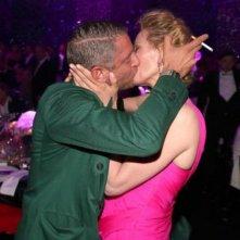 Cannes 2016: il bacio tra Uma Thurman e Lapo Elkann