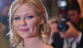 Cannes 2016: Kirsten Dunst  sul red carpet di The neon Demon