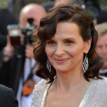Cannes 2016: uno scatto di Juliette Binoche sul red carpet di The Last Face