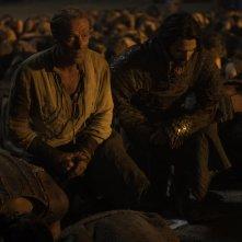 Il trono di spade: Iain Glen e Michiel Huisman nell'episodio Book of the Stranger
