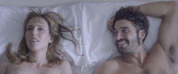 Kiki & i segreti del sesso: Alex García e Natalia de Molina in una scena del film