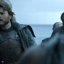Il trono di spade: Pilou Asbæk nell'episodio The Door