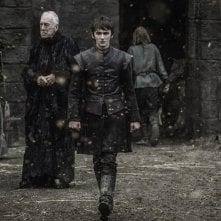 Il trono di spade: Il Corvo a Tre Occhi e Bran nell'episodio The Door