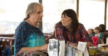 Transparent: Jeffrey Tambor e Anjelica Huston nella seconda stagione