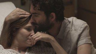 Transparent: Kathryn Hahn e Jay Duplass in una foto della seconda stagione