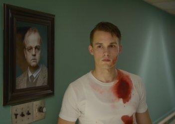 Wayward Pines 2: Tom Stevens in una scena della seconda stagione