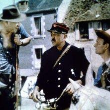 Giorno di festa: Jacques Tati in una scena del suo film