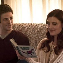 The Flash: Grant Gustin insieme a Michelle Harrison in The Runaway Dinosaur