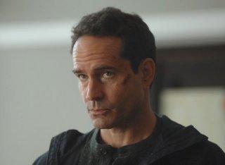 Wayward Pines 2: Jason Patric in una scena della seconda stagione