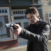Wayward Pines 2: Charlie Tahan in una scena di Enemy Lines della seconda stagione