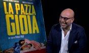 """Paolo Virzì e il suo La Pazza Gioia: """"Abbiamo preso di petto il disagio di vivere"""" (VIDEO)"""