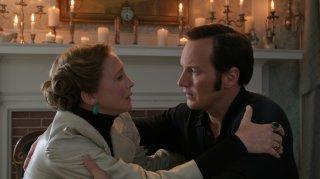 The Conjuring - Il caso Enfield: Patrick Wilson e Vera Farmiga in un momento del film