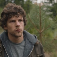 Night Moves: Jesse Eisenberg in un momento del film
