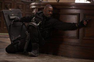 Bastille Day: Idris Elba in una scena del film