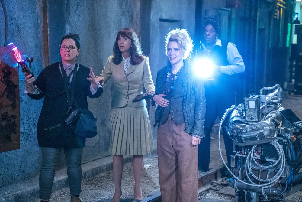 Ghostbusters: Melissa McCarthy, Leslie Jones, Kristen Wiig e Kate McKinnon in una scena del film