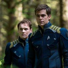 Star Trek Beyond: Anton Yelchin e Chris Pine in un momento del film