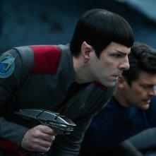 Star Trek Beyond: Zachary Quinto e Karl Urban in un momento del film