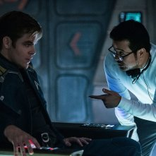 Star Trek Beyond: Chris Pine insieme al regista Justin Lin sul set del film