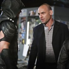 Arrow: Paul Blackthorne nella puntata Scissione