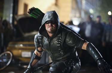 Arrow: il protagonista Stephen Amell in Scissione