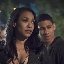 The Flash: Candice Patton e Keiynan Lonsdale in The Race of His Life
