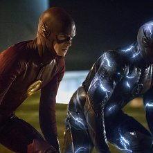 The Flash: Grant Gustin e Teddy Sears nella puntata The Race of His Life