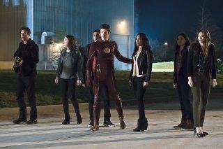 The Flash: un'immagine dei protagonisti nel season finale The Race of His Life