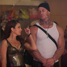 Le sorelle perfette: Tina Fey e John Cena in una scena del film