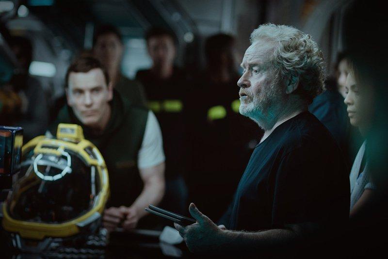 Alien: Covenant - Michael Fassbender e Ridley Scott sul set
