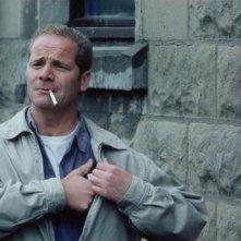 My name is Joe: Peter Mullan in una scena del film