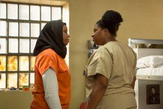 Orange is the New Black: Adrienne C. Moore in una foto della quarta stagione