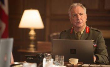 Il diritto di uccidere: il compianto Alan Rickman in una scena del film